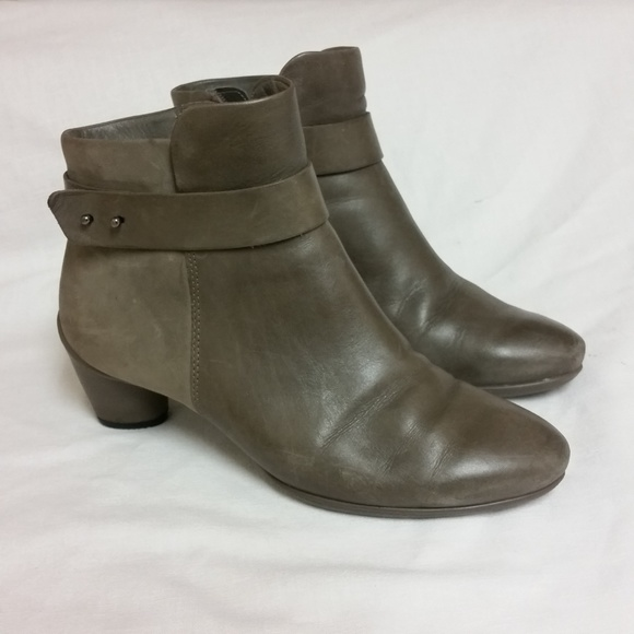 bc56b61cc1f61 Ecco Shoes   Sculptured 45 Ankle Leather Bootie Claytaup   Poshmark